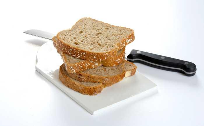Stabel med brødskiver.