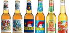 seks glassflasker med julebrus og eplemost