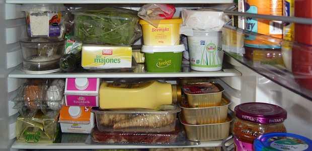 Fullt kjøleskap
