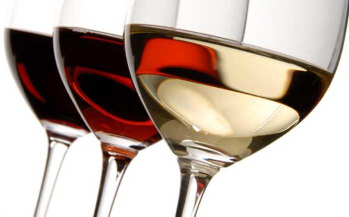 Tre glass med vin