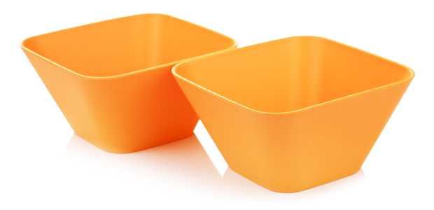 Illustraasjonsfoto av to orange firkantede skåler