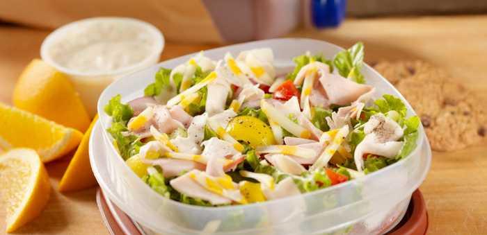 Plastboks med salat